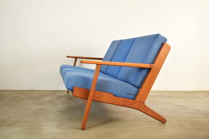 Hans J Wegner GE290 Sofa