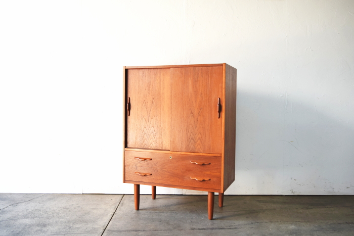 Cabinet with 2drawers