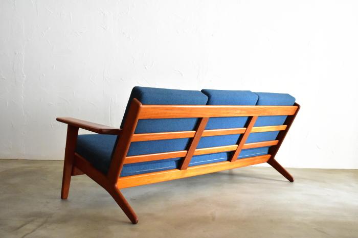 Hans J Wegner GE290 Sofa Teak