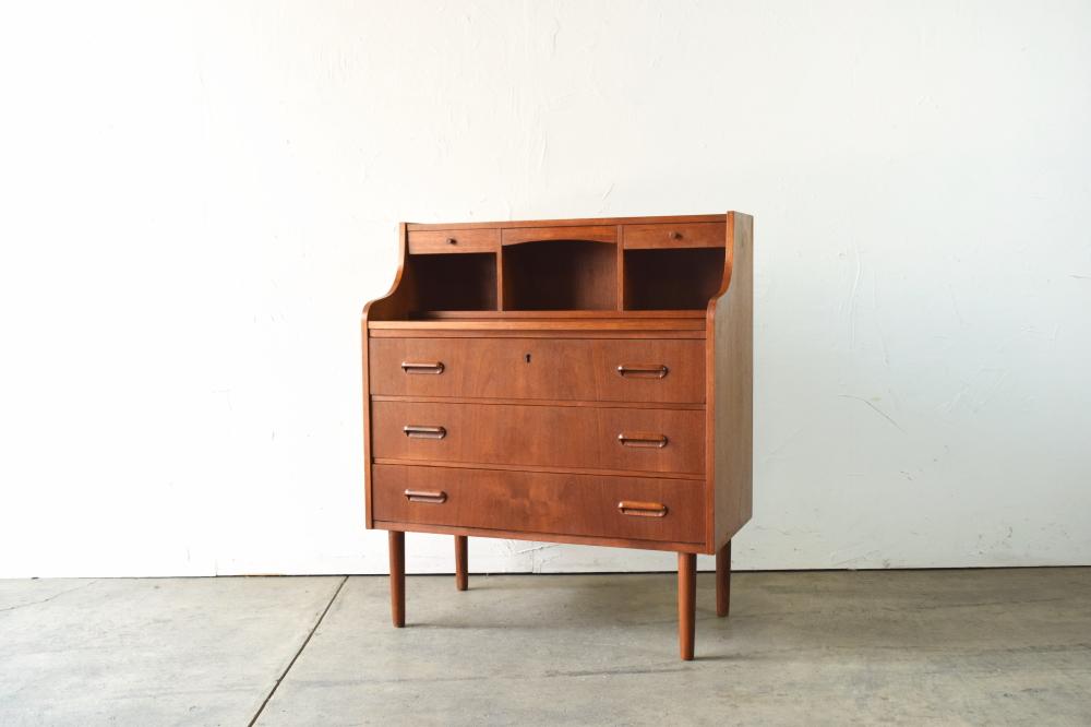 Bureau desk with Mirror